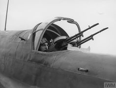 The wireless operator/gunner of a Handley Page Hampden manning his twin Vickers K guns, Ww2 Aircraft, Fighter Aircraft, Fighter Jets, Gun Turret, Range Rover Sport, Royal Air Force, Armed Forces, World War, Wwii
