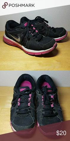 Nike Dual Fusion Great Nike running shoes  Warm and thick  Womens size 7 Nike Shoes Athletic Shoes