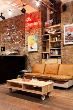 Standert Bicycles — Standert Bicycles Shop & Café Photos by Constantin. Cafe Interior Design, Cafe Design, Store Design, Interior Decorating, House Design, Decorating Ideas, Bicycle Cafe, Bicycle Store, Bicycle Decor