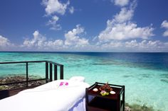 VIP spa treatment room at Jumeirah Vittaveli