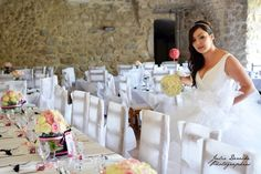 Chaque année, je photographie de jolis jours en Ardèche, département que j'affectionne particulièrement. Appartenant à la région Rhône-Alpes, l'Ardèche a plus d'un atout pour organiser un mariage ! Avec ses villages de caractère, ses châteaux, son environnement...