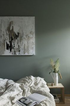 These neutral bedroom color schemes are anything but boring. From dark bedrooms in greys and blue-greys to light bedrooms in sandy beiges and blushes,. Scandinavian Bedroom, Calming Bedroom, Stylish Bedroom, Minimalist Bedroom, Minimalist Bedroom Color, Room Colors, Bedroom Colors, Bedroom Color Schemes, Calming Bedroom Colors