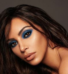 Pinterest: DeborahPraha ♥️ kim kardashian blue eyeshadow look #makeup