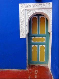 Painted door (beautiful portals)