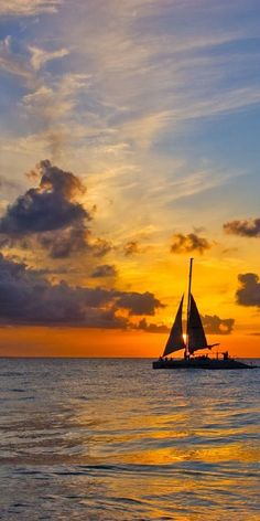 Sail on the seas at the Beautiful British Virgin Islands during a magnificent sunset Beautiful Sunset, Beautiful World, Beautiful Places, Sail Away, Foto Art, British Virgin Islands, Belle Photo, Strand, Wonders Of The World