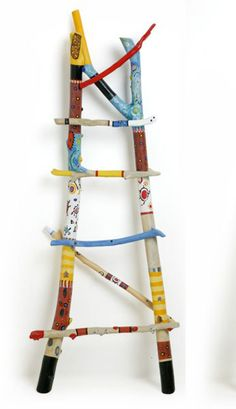 Recycling mommo design: BRANCH DECOR How to Tell an Authentic Handbag from a Fake A handbag is a cen Painted Driftwood, Driftwood Crafts, Painted Branches, Tree Branches, Diy And Crafts, Arts And Crafts, Stick Art, Branch Decor, Painted Sticks