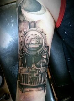 70 Train Tattoos For Men Masculine Railroad Designs - - jpeg Train Tattoo, Back Tattoo, Tattoos For Guys, Cool Tattoos, Tatoos, Zug Tattoo, Tattoo Art, Bodyweight Strength Training, Ab Routine