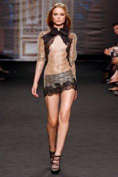 Francesco Scognamiglio Spring 2011 Ready-to-Wear Fashion Show - Naty Chabanenko