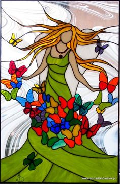 This is a great painting idea! Stained glass lady with butterflies. Witraże Tiffany Galeria Anna Danowska Anioł Dobrych Myśli witraż 40 x 60 cm Stained Glass Quilt, Stained Glass Angel, Faux Stained Glass, Stained Glass Designs, Stained Glass Projects, Stained Glass Patterns, Stained Glass Windows, Mosaic Art, Mosaic Glass
