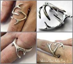 Whitetail deer antler ring! <3 I wanttt!!