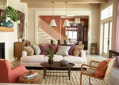 the colors and textures make this room warm and inviting...