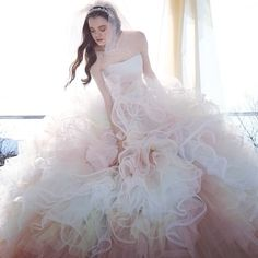#weddingdress #dress #gown  #garly #bridalgown #novias  #ウエディングドレス#ドレス #カラードレス#プレ花嫁#婚紗 #ウエディングフォト #パステル #フラワー#kiyokohata #キヨコハタ