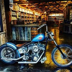 Moonshine On The Lips: Gatlinburg, Tennessee (Smoky Mountains) American Motorcycles, Vintage Motorcycles, Custom Motorcycles, Custom Bikes, Cars And Motorcycles, Old Bicycle, Old Bikes, Harley Dealer, Custom Tanks