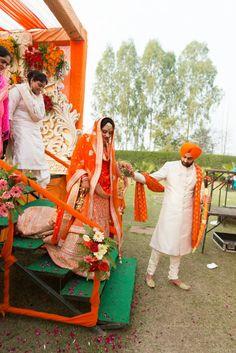 Nav-58 Desi Wedding, Punjabi Wedding, Wedding Bride, Latest Bridal Dresses, Sikh Bride, Punjabi Couple, Punjabi Fashion, Royal Brides, Wedding Goals