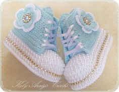 Baby Booties Knitting Pattern, Crochet Baby Boots, Baby Shoes Pattern, Booties Crochet, Baby Girl Crochet, Crochet Baby Clothes, Crochet Shoes, Crochet Slippers, Baby Patterns