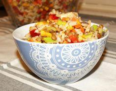 En god og fargerik salat som smaker godt både varm og kald. Har du rester til neste dag kan den spises kald eller freses litt på pannen. Grillet maiskolber gir en god sødme til maisen, dette kan fi…