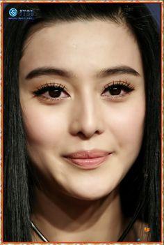 Fan Bing Bing always has the best eye makeup.