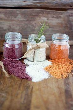 Red Wine Sea Salt - Homemade Flavored Salts - perfect for gift giving! Red Wine Sea Salt, Rosemary Lemon Sea Salt, and Sriracha Lime Salt Homemade Spices, Homemade Seasonings, Homemade Gifts, No Salt Recipes, Cooking Recipes, Smoker Recipes, Rib Recipes, Cooking Tips, Lime Salt