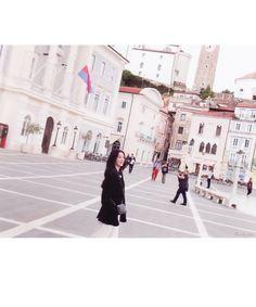 "baebyi329 🌺 on Twitter: ""🐰📷✌🏼… "" Kpop Girl Groups, Kpop Girls, Future Photos, Red Velvet Irene, Insta Photo Ideas, Seulgi, Amazing Women, Cool Girl, Idol"