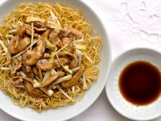 Cantonese Fried Noodles (Pork Chow Mein): these were fairly simple for an Asian dish and very delicious! We are adding it in our regular dinner line up. A side dish for 4 or a meal for Easy Asian Recipes, Easy Delicious Recipes, Yummy Food, Ethnic Recipes, Chinese Recipes, Pork Recipes, Chicken Recipes, Cooking Recipes, Cooking Tips