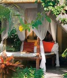Living in Bali - Reto Guntli, Anita Lococo, Angelika Taschen