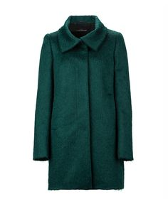 Colour your autumn outfit with a bright emerald green coat Green Coat, Emerald Green, Get The Look, Must Haves, Latest Trends, Raincoat, Autumn Fashion, Bright, Colour
