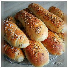 Zabpelyhes kiflik | Betty hobbi konyhája Diabetic Recipes, Vegetarian Recipes, Healthy Recipes, Bread Recipes, Cooking Recipes, Hungarian Recipes, Bread Rolls, Bread Baking, Hot Dog Buns