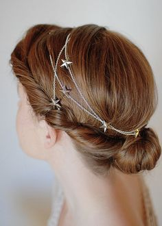 Moon of my Life: the Astrological Wedding Trend - Star hair chain