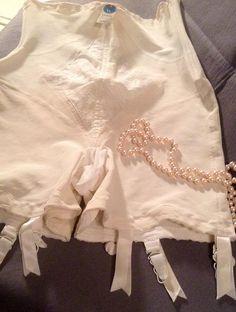 1940s Warners ladies girdle body shapewear lingerie