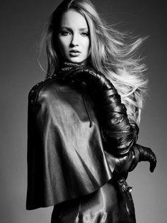 Rose Ellis by Alberto Tandoi Leather fashion Dita Von Teese, Gloves Fashion, Fashion Boots, Women's Fashion, Black Leather Gloves, White Leather, Smooth Leather, Leather Pants, Leder Outfits