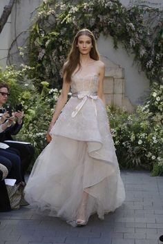 22-monique-lhuillier-bridal-spring-17