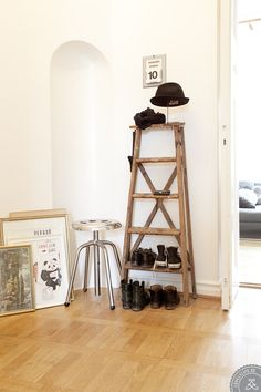 Una escalera como estante-zapatero #inspiración #decoración