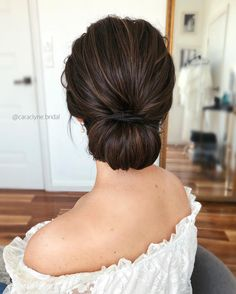 Top 20 Long Wedding Hairstyles from Cara Clyne :. - - Top 20 Long Wedding Hairstyles from Cara Clyne : Top 20 Long Wedding Hairstyles from Cara Clyne Low Bun Wedding Hair, Vintage Wedding Hair, Wedding Hairstyles For Long Hair, Wedding Hair And Makeup, Prom Hairstyles, Simple Wedding Updo, Simple Bridesmaid Hair, Simple Updo Hairstyles, Hair Updos For Weddings Guest