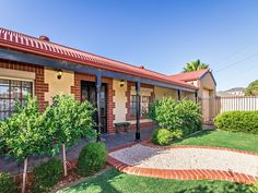 #Home in Christies Beach sold by Graeme Walker from the Professionals Christies Beach, real estate agency - 08 8382 3773. #RealEstate #RealEstateSouthAustralia #Brickcoins www.christiesbeachprofessionals.com.au