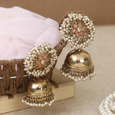 Bling Bag has an amazing collection of western and ethnic dangler earrings with unique designs and affordable prices Indian Jewelry Earrings, Indian Jewelry Sets, Silver Jewellery Indian, Indian Wedding Jewelry, Jewelry Design Earrings, Indian Jewellery Design, Gold Earrings Designs, Ear Jewelry, Jhumki Earrings