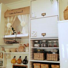 食器棚もDIYできるって知っていましたか?難しそうな食器棚もカラーボックスやすのこを使えば、簡単に作ることができます。DIYすることで自分の好みやお部屋の雰囲気に合ったものを作れます。おしゃれな食器棚のアイデアや作り方をご紹介します。