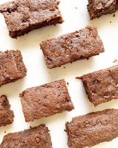 Easy Homemade Brownies With No Egg, Milk, or Nuts! Recipe and video at Milk Allergy Mom. Dairy Free Brownies, No Bake Brownies, Fudgy Brownies, Boxed Brownies, Chocolate Caramel Brownies, Nutella Fudge, Espresso Brownies, Chocolate Desserts, Caramel Recipes