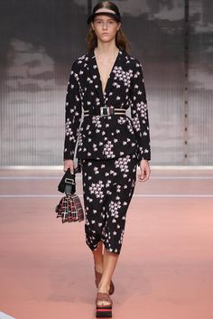 Marni Spring 2014 Ready-to-Wear Collection Photos - Vogue Vogue, Fashion Show, Fashion Design, Fashion 2014, Milan Fashion, Runway Fashion, Review Fashion, Spring 2014, Summer 2014