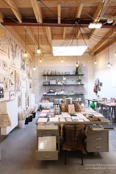 New! You probably already know about Festen, a concept store on the Minckelerstraat. A great place to check out if you love books, fashion, home decor, cards etc. They collected so many nice things