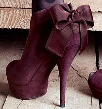 Maroon booties with a bow!
