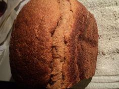 Ik heb net een heerlijk speltbrood gebakken, het recept van dit speltbrood heb ik zelf geschreven, je kunt het speltbrood makkelijk zelf bakken in de oven of broodmachine.