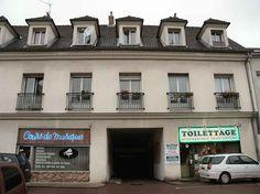 Vieux Sarcelles.Centre ville .RER D, 15 min Paris gare du nord.Idéal investisseur.Immeuble 2 étages. Pièce principale.Cuisine équipée. Salle d'eau wc. Très faibles charges. #appartementSarcelles #appartementValdOise http://www.partenaire-europeen.fr/Annonces-Immobilieres/France/Ile-de-France/Val-d-Oise/Vente-Appartement-F1-SARCELLES-784348