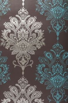 Love me some baroque wall paper. If you're gonna do it... do it right.