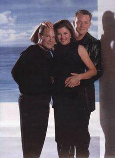 Neelix, Captain Janeway, Lt. Paris #startrek #ussvoyager