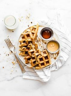 Flourless Peanut Butter Waffles are not only easy to make, but also protein rich! All you need are a few healthy ingredients and they turn . Waffle Recipes, Brunch Recipes, Breakfast Recipes, Breakfast Ideas, Pancake Recipes, Crepe Recipes, Brunch Ideas, Breakfast Waffles, Best Breakfast