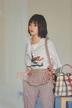 Được nhúng Cute Celebrities, Korean Celebrities, Look Fashion, Girl Fashion, Fashion Outfits, Dramas, F4 Meteor Garden, Shan Cai, A Love So Beautiful