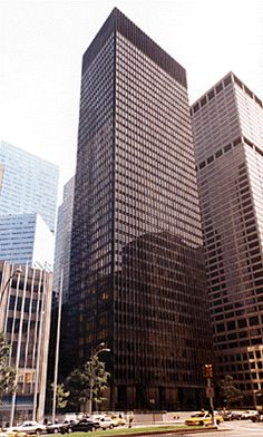 """Ludwig Mies van der Rohe and Philip Johnson - """"The Seagram Building"""" (1958)"""