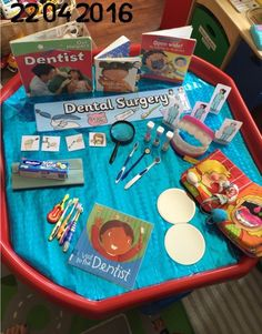 Dental Surgery Tuff Tray and Role Play! Great for the topic 'People Who Help Us' - explore the role Eyfs Activities, Nursery Activities, Health Activities, Preschool Activities, Preschool Plans, Outdoor Activities, Tuff Tray Ideas Toddlers, Investigation Area, People Who Help Us