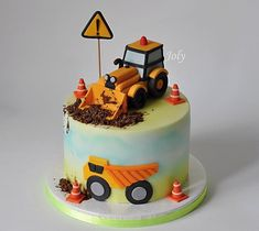 Construction Theme Cake, Excavator Cake, 2nd Birthday Cake Boy, Digger Cake, Different Kinds Of Cakes, Cake Business, Birthday Cake Decorating, Cakes For Boys, Themed Cakes