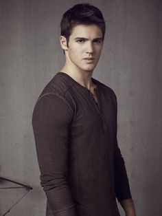 Steven R. McQueen as Jeremy Gilbert #TVD. So I feel a lil weirded out that I think a lil boy is hot! Don't judge! Lol